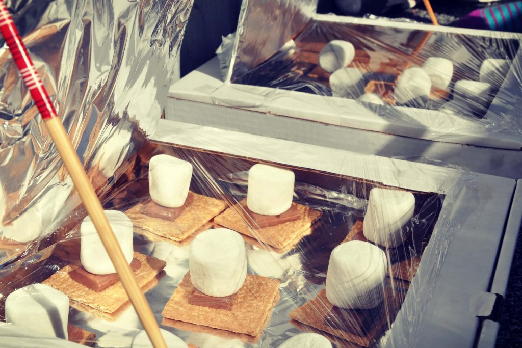 How to make pizza box solar oven smores take them outside for How to build a solar oven for kids
