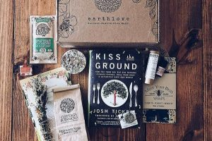 all the eco friendly items packed into one earthlove subscription box