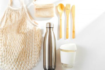 reusable and eco-friendly kitchen items, bamboo cutlery, reusable shopping bag, reusable drink bottles